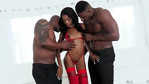 DP smashing be expeditious for ebony harlot Chanel Skye added to two hung sooty ready money