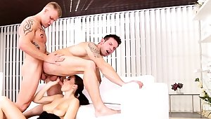 Bisexual friends apropos threesome with Tina Kay